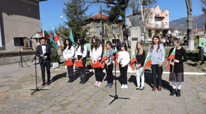 143 години Свободна България почетоха в Столетово [видео]